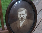 Vintage Oval Convex Glass Grain Painted Picture Frame - Bubble Glass