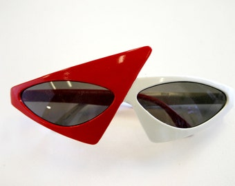 Vintage 1980s-90s Dyce Red and White Triangular New Wave Sunglasses