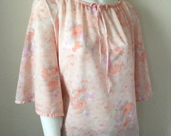 Vintage Women's 70's Boho Blouse, Pastel, Peach Floral, Polyester, Bell Sleeve (XL)