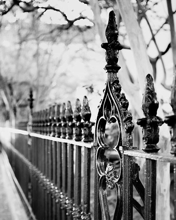 Frank Huguenot église en fer forgé clôture photographie par briole
