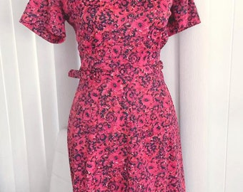 Pretty Vintage Red and Black 1950's 1960's Day Dress -- Size M-L