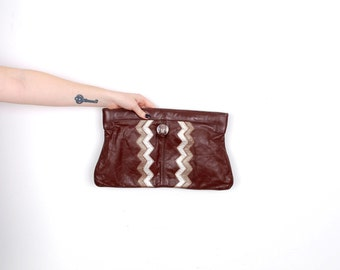Vintage 1970s Clutch / 70s Leather Zig Zag Clutch / Brown Silver Gold
