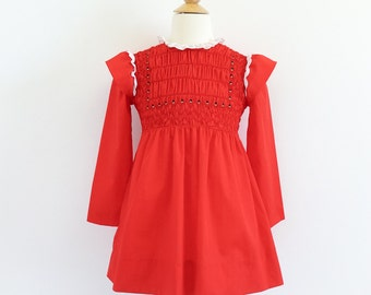 Vintage 1970s Girls Size 6X Dress / 70s 80s Polly Flinders Hand Smocked One Piece Dress VGC / Prairie Girl Style