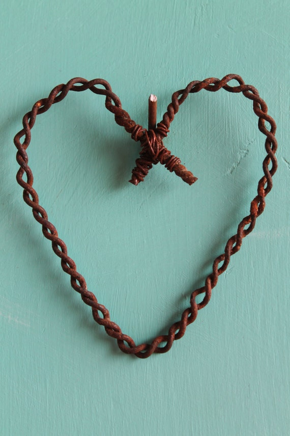 Unique Handmade Wall Decor : Unique handmade wall decor hanging rusty wire heart