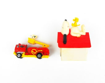 1966 Peanuts Snoopy & Woodstock Firetruck Doghouse - Vintage Charlie Brown United Feature Syndicate Schulz Comics Dog House Collectible Toys