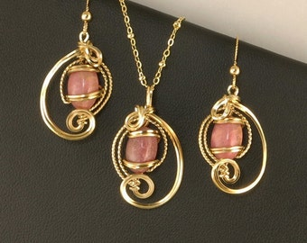 Rose Pink Gemstone Gold Jewelry Gift Set, Unique Wire Sculpture Rhodonite Necklace Set