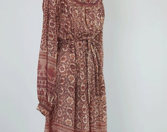 Vintage 70s silk chiffon INDIAN dress / Papillon label Made in India / Billowing peasant sleeves / Earth tone paisley floral print