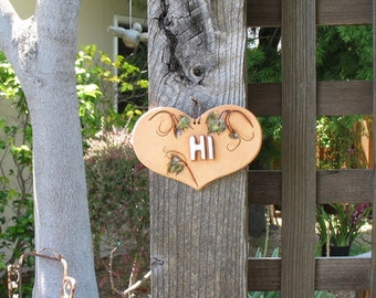"Small Ceramic Sign ""Hi"" - Made with Real Grape Leaf Sprays - Heart-Shaped Wall Hanging Sign - Doorway, Gate or Entryway Decoration - Nature"