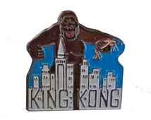 KING KONG vintage enamel pin button movie promo empire state building new york