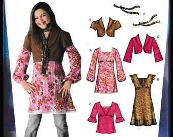 Simplicity 3589 Hannah Montana ©Disney Secret Celebrity Girls'- Girls Plus Dress, Mini-Dress, Tunic, Top, Jacket,Scarf
