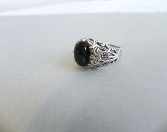 Vintage Stering Onyx Ring Ornate Silver Filigree Band - on sale