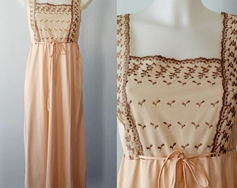 Vintage Nightgown, Vintage 1960s Nightgown, Peach Nightgown, Embroidered Peach Nightgown, 1960s Nightgown