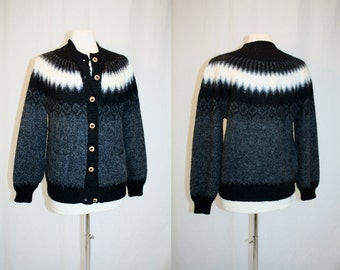 1990's Black Charcoal Gray and White Alpaca And Wool Cardigan Sweater Medium Large Vintage Retro 90's Peru Winter