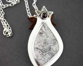 Agate & garnet sterling silver pendant