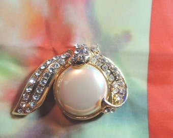 Large baroque pearl & rhinestone brooch pin high end Vintage Jewelry