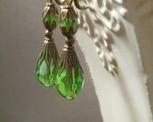Fern Green Victorian Earrings - Titanic Jewelry - Spring Jewelry - Victorian Costume - 19th Century Jewelry - Womens Jewelry