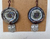 EARTH TONE Round coiled recycled paper pierced earrings with metal cameo