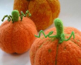 PDF-P A T T E R N. A Knit & Felt Harvest Pumpkin Downloadable PDF Pattern