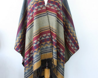 Cape blanket Poncho fringe Autumn fall accessories Long poncho Kilim Southwestern Mexican Winter wrap Aztec cape Multicolor Large shawl