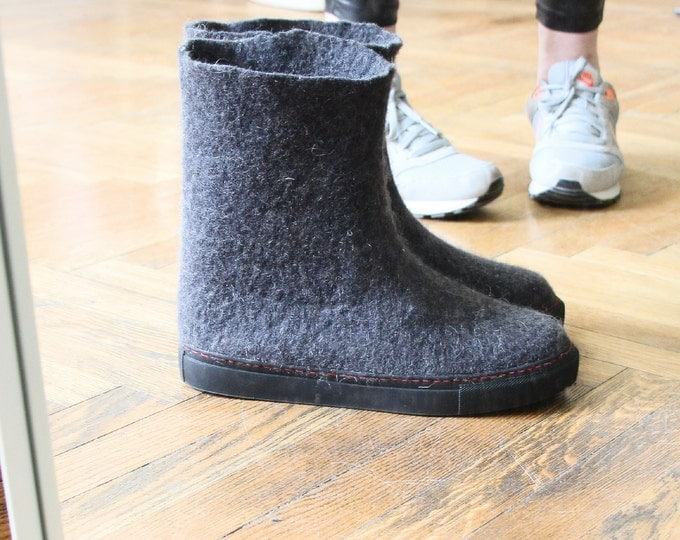 Felted Black Ankle Boots Womens Shoes, Winter Boots, Boiled Wool Shoes, Ugg Boots, Valenki, Women Slippers, House Shoes, Rugged Rubber Soles
