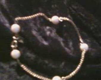 Vintage Sarah Coventry simulated pearl bracelet or anklet
