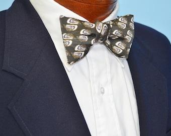 Black Bow Tie, Green Bow Tie, Men's Bow Tie, Adjustbale Bow Tie, Oysters Bow Tie, Beach Wedding, Coastal Bow Tie, Southern Bow Tie, Oysters