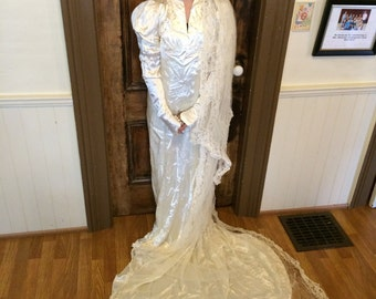 Vintage Antique 1940s ivory silk satin wedding gown dress with beaded veil XXX Small with provenance Halloween Retro Historic Bridal Bride