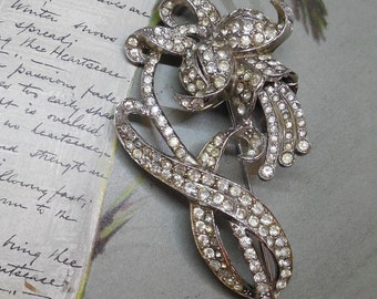 CORO 1930s Rhinestone Pave Flower Brooch