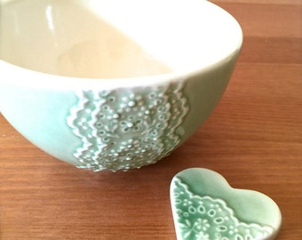 Shiny Green Porcelain Lace Bowl with Heart Lace Cutlery Rest Set -Hideminy Lace Series