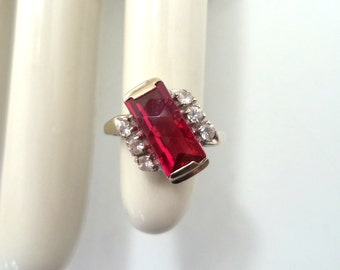 Vintage 10K White Gold Simulated Ruby and Simulated Diamond Ring Size 6.5