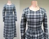 Vintage 1980s Dress / 80s Laura Ashley Black White Ivory Plaid Wool Cotton Dress / Small