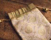 Indian Sari Fabric Tassel Bollywood Brocade Silk Gift Party Bag White Cream Ivory Gold Medallion Favor Christmas Diwali Wedding Jewelry Zari