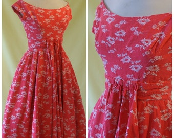 REDUCED - 1950s Evening Dress / 50s Cocktail Dress / Pink & White Floral Motif Brocade / Frank Usher / XXS Extra Extra Small