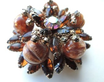 Vintage grooved circular beaded brooch with crystal ab and amber marquis stones VJSE