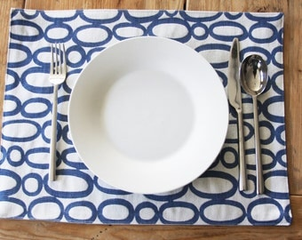 Handmade Placemats  - Looped - Set of 4 - Six colors and two sides to choose your perfect set of placemats