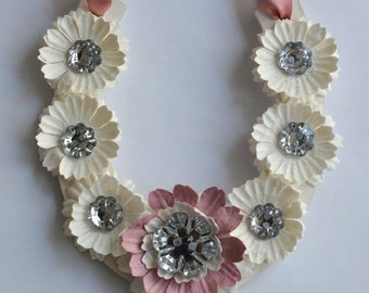 Daisy Sparkle Flowers Good Luck Button Wedding Horseshoe in DUsky Pink / Ivory