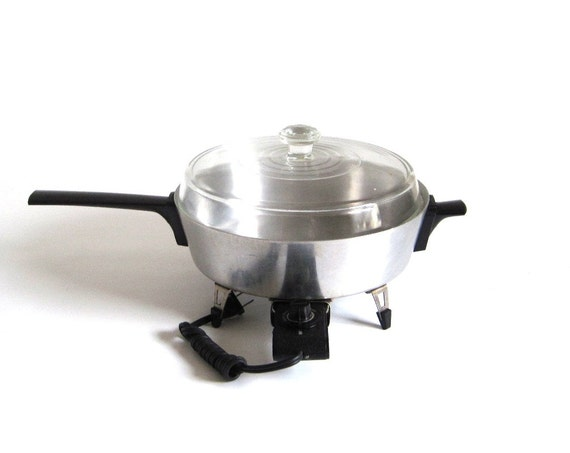Presto Automatic Electric Casserole Replacement Parts KC06-A Round Electric Skillet Aluminum 1960s Kitchen (as-is)