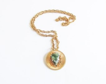 Green Quartz Sunburst Vintage 70s Gold Cameo Necklace