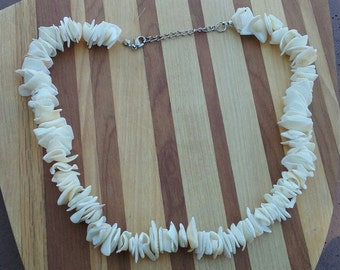 Necklace large broken beach shell necklace original vintage necklace size medium