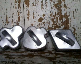 3 Vintage Aluminum Cookie Cutters - Retro Baking Tool + Decoration, Christmas Baking, Lets Bake Cookies, Cookie Parties, Retro Kitchen Decor