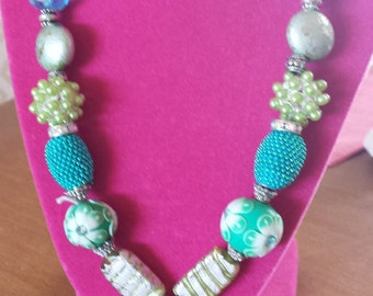 AQUA LIME NECKLACE
