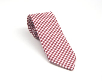 Burgundy Gingham Tie, gingham necktie, burgundy tie, burgundy gingham necktie, burgundy necktie, mohogany tie, merlot tie
