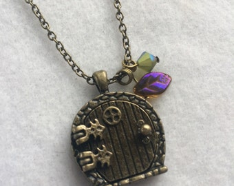 Fairy Door Necklace - Geekery - Tolkien - Fantasy - Costume - Cosplay - Comicon - Gift - Summer - Graduation - Teacher - Wedding - Gift