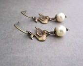 Swan Earrings Bridesmaid Jewelry Swan Lake Swarovski Elements Cream White Pearl Romantic Weddings Bridal Lightweight Bird Antiqued Brass