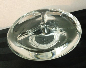 """Vintage 6"""" Round Clear Blown Art Glass Three-Section Divided Candy Dish or Ashtray"""