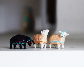 Choose Your Sheep Totem / Black Sheep / White Sheep / Tribal