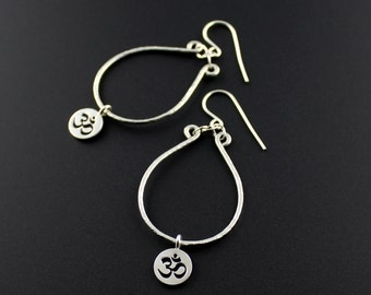 The Gem Gypsy//Argentium Sterling Silver Om Earrings//Yoga Jewelry//Yoga Om Hoop Earrings//Yoga Gifts For Wife/Girlfriend/Mom/Sister/xmas