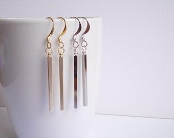 Bar earrings. Dangle earring. Shiny Gold or Silver plated. Hooks. Minimalist earrings. Dainty square stick earrings. Simple bar earrings