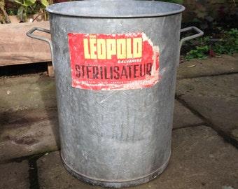 Metal plant container, large plant pot, steel planter