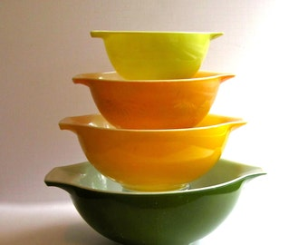 Pyrex Nesting Bowls, Cinderella Daisy, Sunshine Yellow, Verde Green, Lemon Yellow Bowl, 1962, Mid Century, Rare Set, Wedding Present